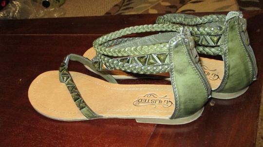 Unlisted by Kenneth Cole Pop Rock Faux Leather Embellished Gladiator 10 Army Green Sandals