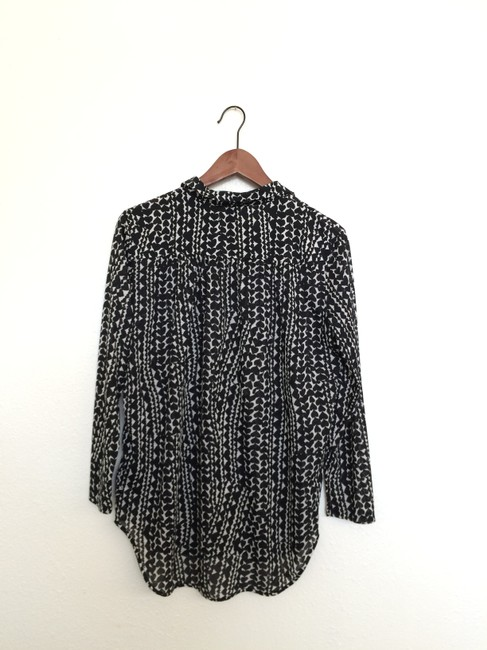 H&M Longsleeve Button Down Shirt Black and white