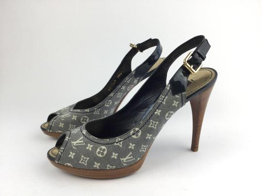 Louis Vuitton White Ivory Lv Blue Pumps