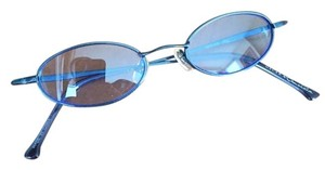 Oscar by Oscar de la Renta OSCAR by Oscar de la Renta Blue-Colored Sunglasses & Accompanying Hard-Cover Accessory Case