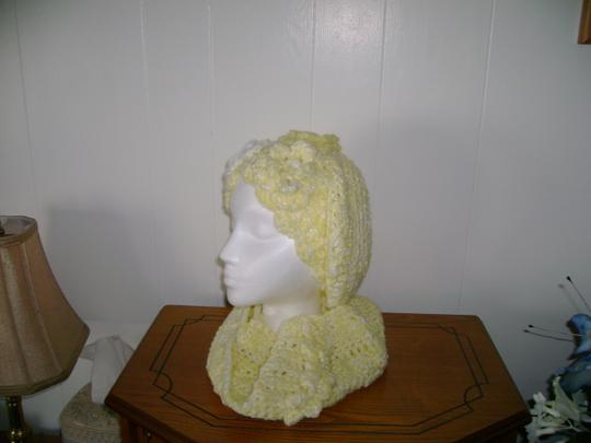 Other New, never used, one of a kind hat and neck warmer sets