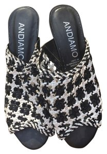 Andiamo Black and white Pumps
