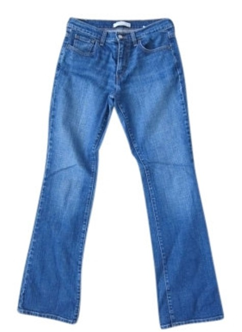Preload https://img-static.tradesy.com/item/5734/levi-s-blue-light-wash-boot-cut-jeans-size-32-8-m-0-0-650-650.jpg