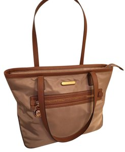 Michael Kors Tote in khaki/brown leather