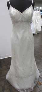 Demetrios Cr189 (121l) Wedding Dress