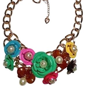 Betsey Johnson Betsey Johnson Flower Bib Necklace Large Colorful Gold J1247