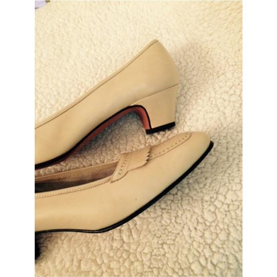 Salvatore Ferragamo Oxford Cream Pumps