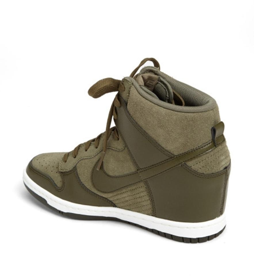 new style 7ed46 f4b02 Nike Green Dunk Sky Hi Women s Wedge Sneaker Style   528899 - 301 Sneakers  Size US 7.5 Regular (M, B) - Tradesy