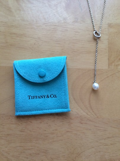 Tiffany & Co. Tiffany & Co. Elsa Peretti Open Heart lariat with a cultured pearl in sterling silver
