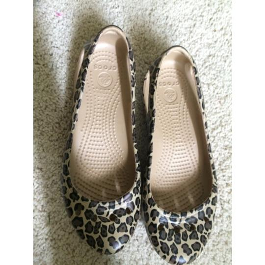 Crocs Brown/Tan/ Black Leopard. Flats