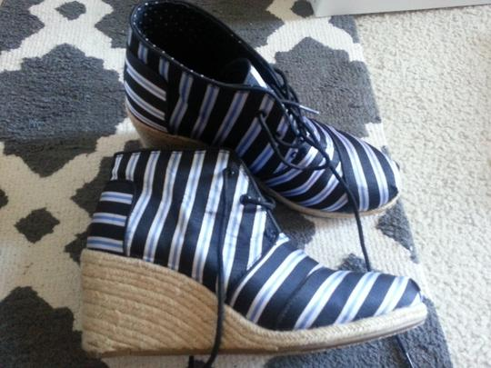 TOMS Collaboration Tabitha Simmons Comfortable Bold Blue/White stripes Wedges
