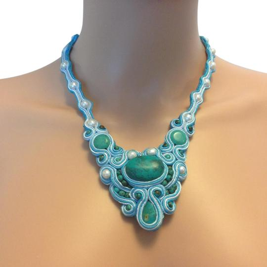 Preload https://item3.tradesy.com/images/turquoise-necklace-5748742-0-4.jpg?width=440&height=440