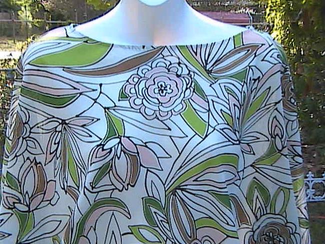 New York & Company P{reowned Hig-low Top Floral