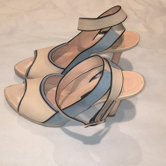 Narciso Rodriguez Pale pink with blue Pumps
