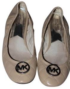 8c14a9595297 Michael Kors Patent Leather Quilted Silver Hardware Ballet Tan Flats. Michael  Kors Tan Fulton Quilted Ballet Flats Size US 9.5