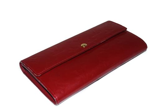Louis Vuitton Authentic Louis Vuitton Red Vernis Leather Sarah Wallet