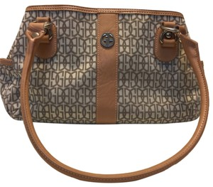Giani Bernini Satchel in Taupe