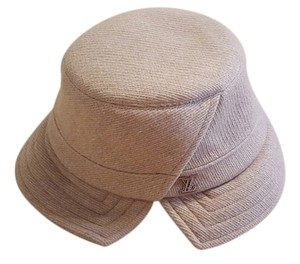 Louis Vuitton Louis Vuitton Chapeaux Grey Garden Hat in Beige.