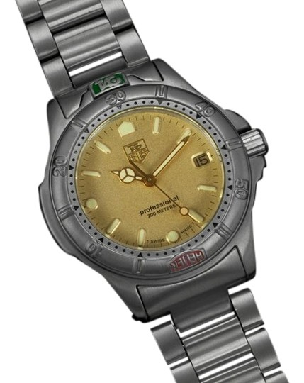 TAG Heuer Tag Heuer Professional 4000 Mens Midsize Diver Watch