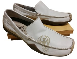 Skechers oatmeal and tan Flats