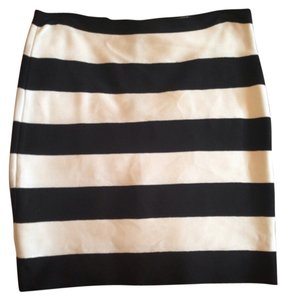 Michael Kors Mini Skirt Black and white
