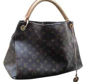 Louis Vuitton Artsy Mm Vintage Leather Hobo Bag
