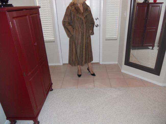 Harry Yagoda Mink Full Length Satin Embroidered Lining Velvet Lined Pockets Fur Fur Coat