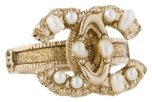 Chanel Chanel RING Pearl Maharaja 11C CC Logo Authentic Box Freshwater Cultured Gold Tone Hardware Paris Bombay 2011 Classic Timeless