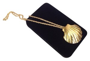 Necklace With Big Shell Pendant