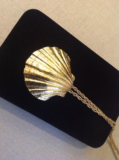 Other Necklace With Big Shell Pendant