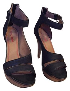 Luxury Rebel Black Sandals