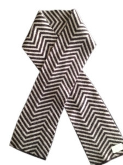 Preload https://item4.tradesy.com/images/coach-chevron-wool-scarf-5793-0-0.jpg?width=440&height=440
