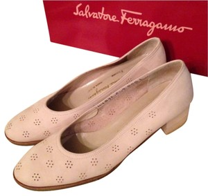 Salvatore Ferragamo Cream Flats