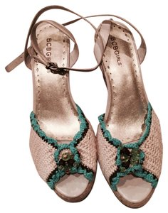 BCBGMAXAZRIA NEW!Crochet/leather upper Wedges