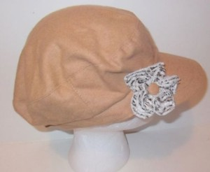 Gatsby Newsboy Conductor Cabbie Cap Hat Tan Flower By August Accessories