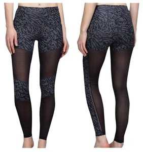 Lululemon Hot to street pant legging
