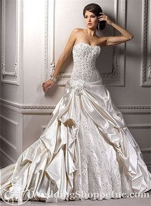 Maggie Sottero Perla Wedding Dress