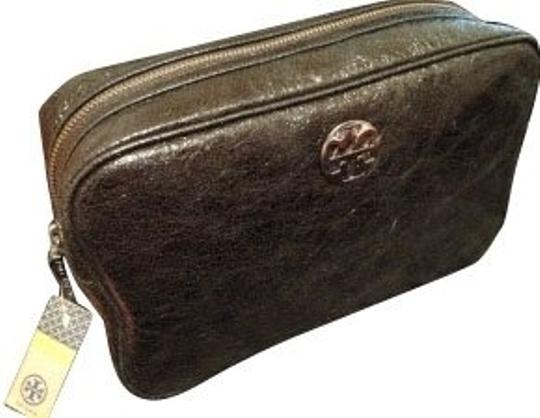 Preload https://item3.tradesy.com/images/greenbronzesilver-cosmetic-bag-582-0-0.jpg?width=440&height=440