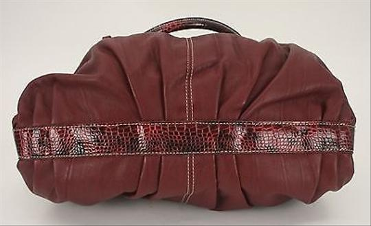 Other Fashion Silver Croco Embossed Faux Toggle B304 Satchel in Burgundy