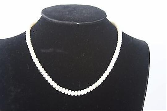 Other White Faux Pearls Gold Tone Clasp 16 Necklace Bj1
