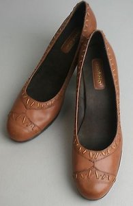 Azaleia Camel Rust Leather Stitching Detail Platform B154 Pumps