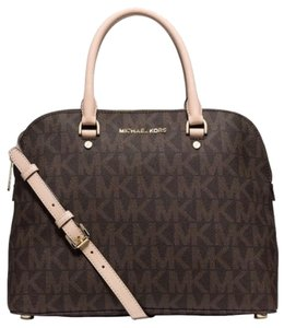 Michael Kors Mk Cindy Signature 30s5gcps3b Nwt New With Tags 889154023604 Hand Logo Satchel in Brown