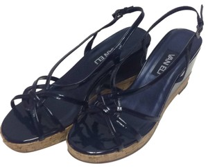 Vaneli Navy Pumps