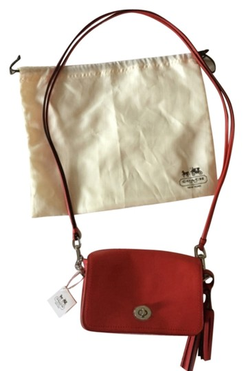 Preload https://img-static.tradesy.com/item/5835793/coach-red-leather-cross-body-bag-0-0-540-540.jpg