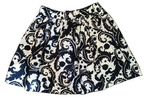 Banana Republic Print Pockets Casual Dressy Fun Flattering Skirt Navy and White