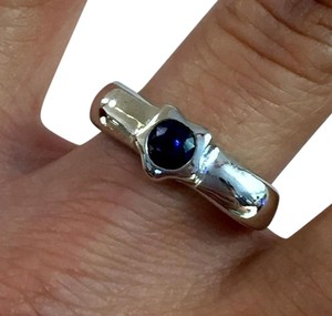 Blue Sapphire Shoulder Ring 14k White Gold, Vintage, Size 7