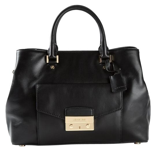 Michael Kors Satchel in Black/gold