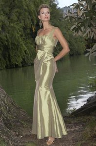 Alexia Designs Iridescent Sage Taffeta Style 822 Formal Bridesmaid/Mob Dress Size 10 (M)