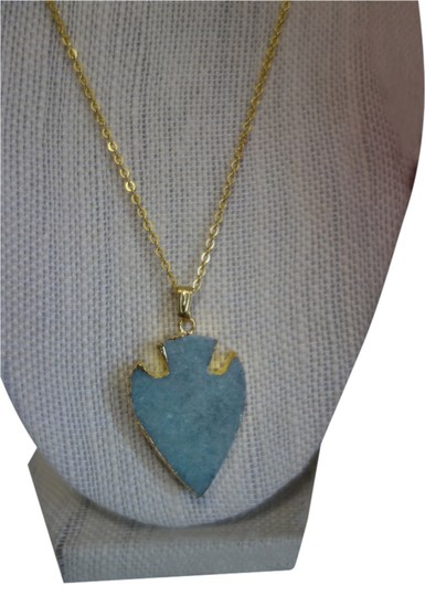 Preload https://item5.tradesy.com/images/turquoise-and-gold-naya-arrow-necklace-5844049-0-0.jpg?width=440&height=440