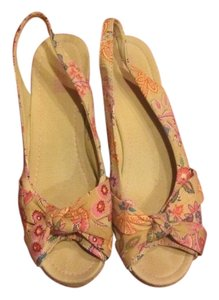 Mossimo Supply Co. Wedge Brown with Floral Pattern Wedges